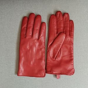 Accessories - Like new leather gloves